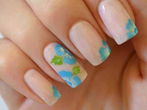 fotos de unhas decoradas com meia flor