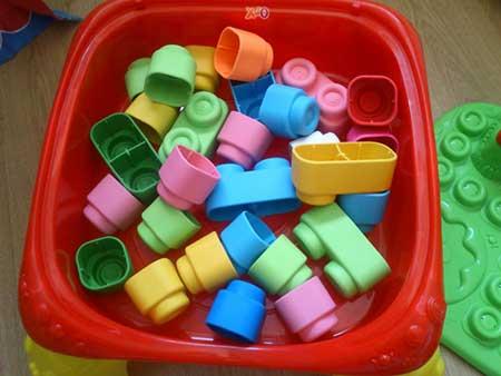 sugestões de brinquedos para bebês